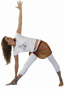 yoga posição utthita trikonasana