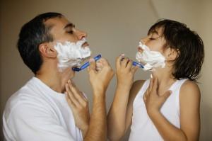 Resultado de imagem para pai e filho fazendo barba