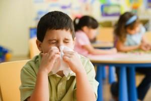 criança com alergia/gripe